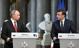 Macron, Putin Meet to Reshape Ties