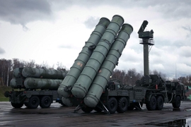 Russia Goes On The Defensive & Plans To Sell Syria Its S-300 Anti-Aircraft System