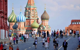 Relaxing Visa Rules Could Help Russian Tourism, Says Expert