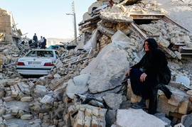 2 Earthquakes Hit Iran, Over 700 People Injured