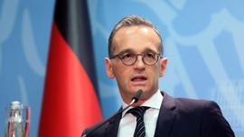 German FM Says EU Will Consider Visa-Free Policy For Russians