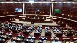 Azerbaijanis Ready To Head To Polls For Snap Parliamentary Election