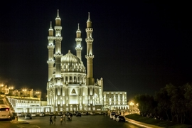 Caspian Region's Muslims Begin Fasting as Ramadan Arrives