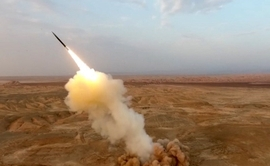 Iran Test-Fires Ballistic Missile In Final Stage Of All-Out Naval Drills