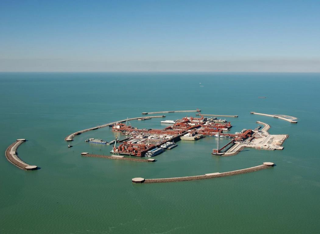 the caspian sea oil politics Iran and four ex-soviet nations, including russia, have agreed in principle how to divide up the potentially huge oil and gas resources of the caspian sea, paving the way for more energy exploration and pipeline projects.